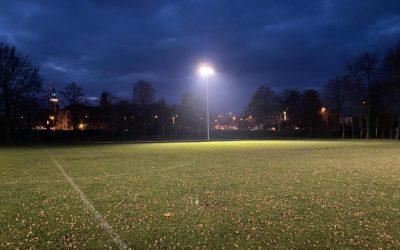 Lampy na stadionie w Wołowie
