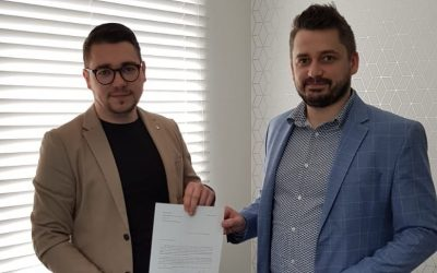 Radni Bartosz Granat i Kamil Jeżyna