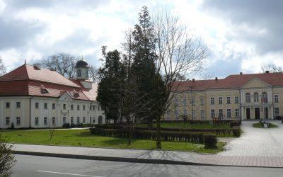 pałac brzeg dolny